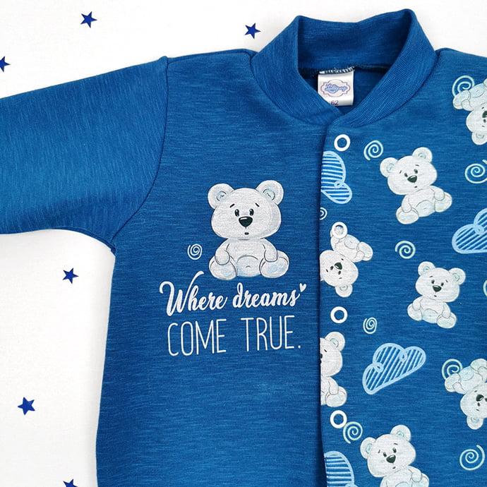 detalj plavog kombinezona za bebe