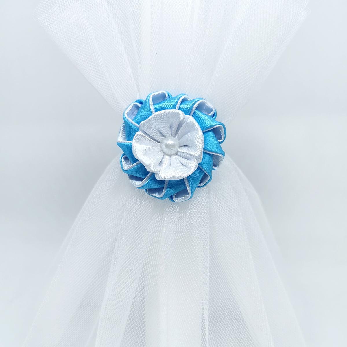 detalj plavo bijeli svijeće za krštene Azure light