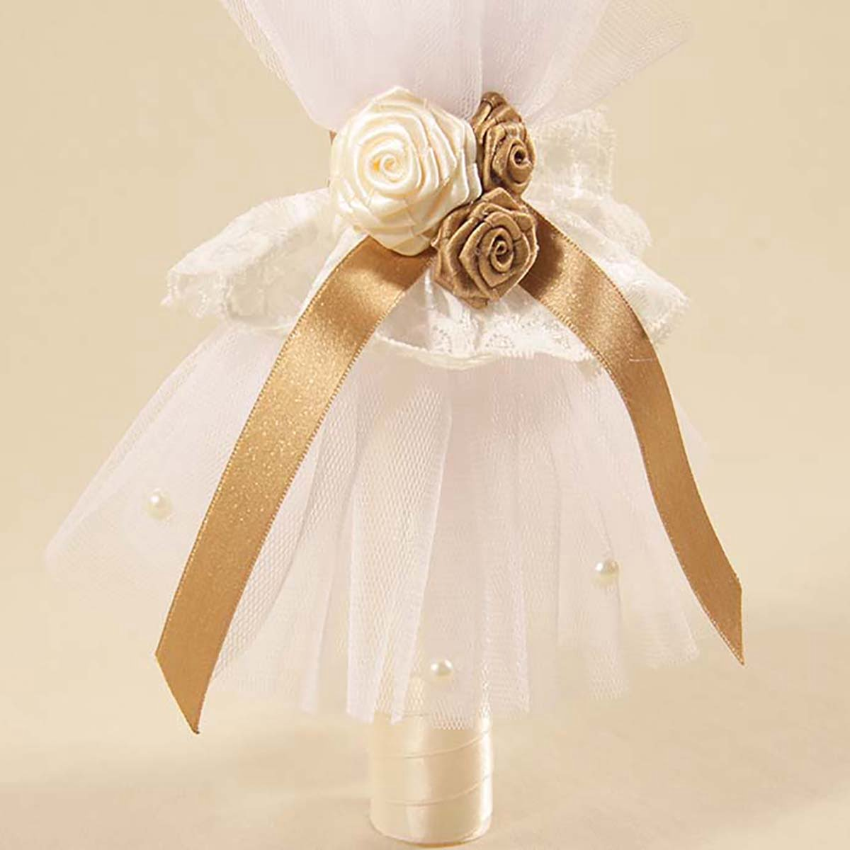 bogato ukrašena bijelo zlatan svijeća za krštenje beba