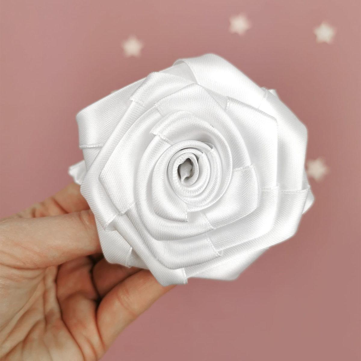 ručno rađen cvijet kala