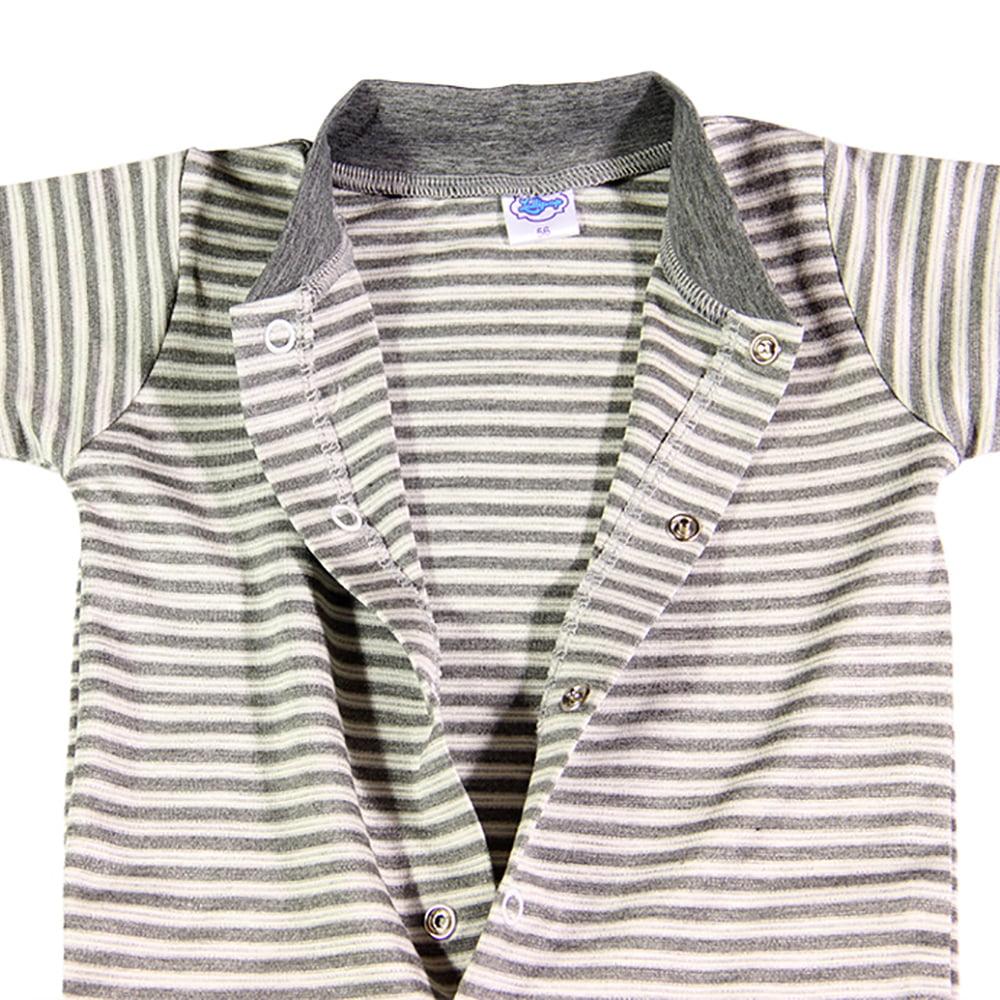 Praktično kopčanje odjeće za novorođene bebe