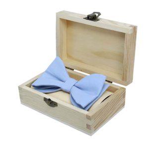 light blue leptir mašna u poklon kutiji
