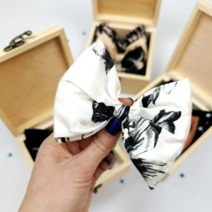 bijela mašna od svile s japanskim printom