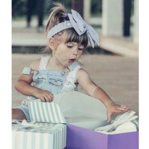 velika pastelno lila LU mašna na djevojčici