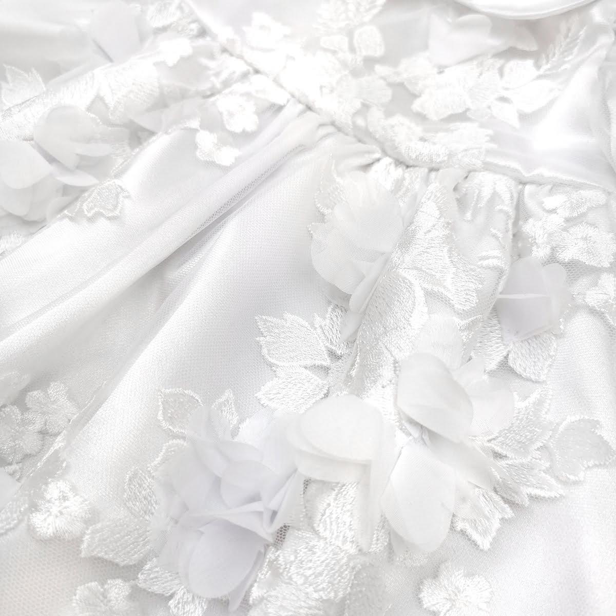 trodimenzionalni cvjetići na Magnolia haljini za krštenje