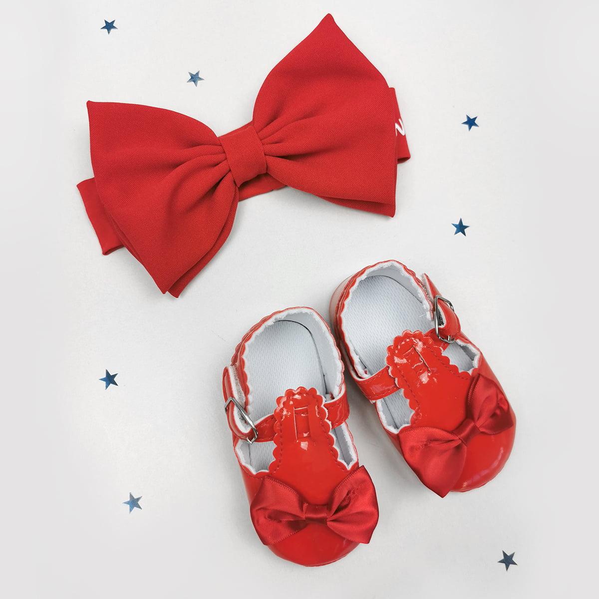 crveni mašna i cipelice