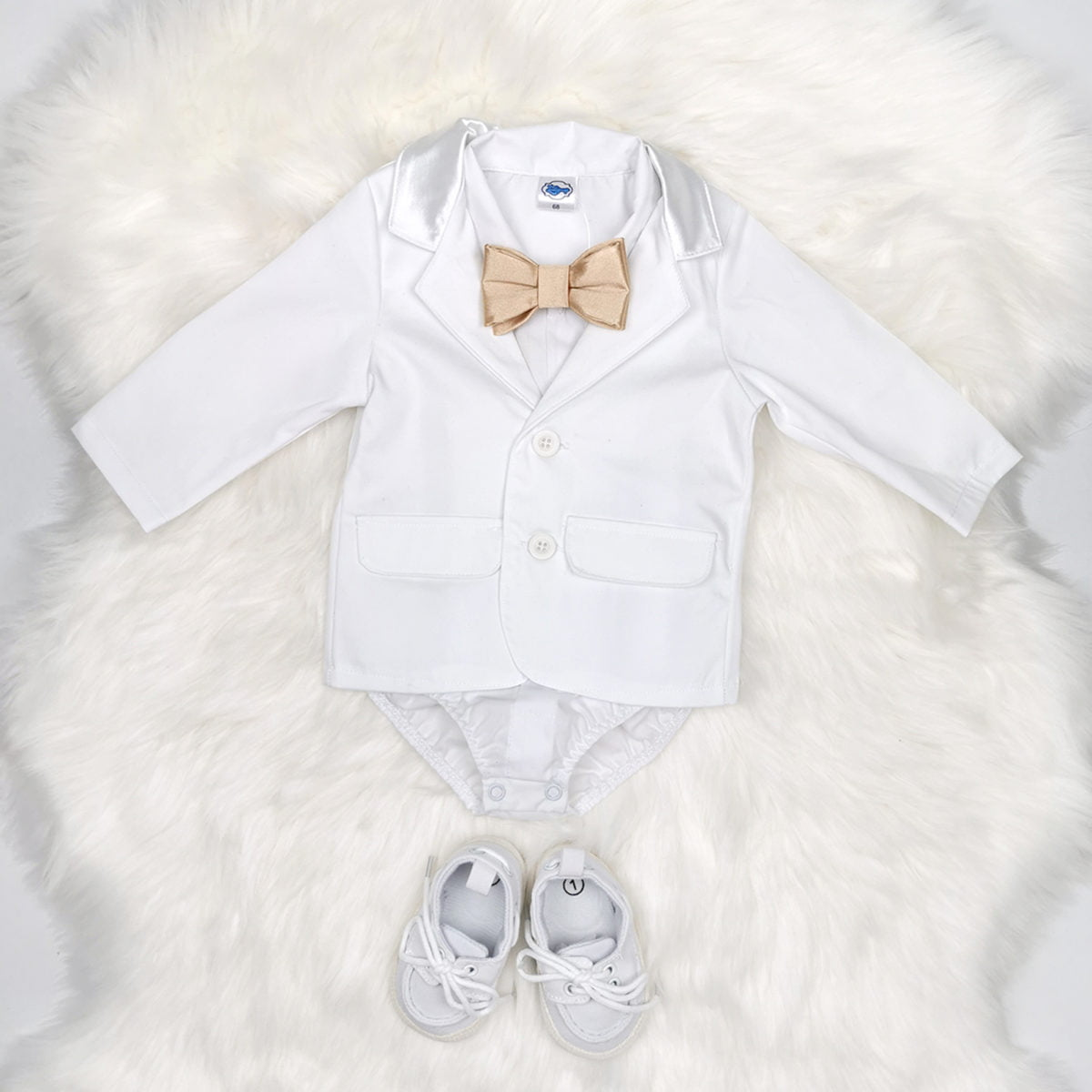 bodi košulja i bijeli sako za krštenje