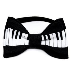 piano crno bijela glazbena leptir mašna