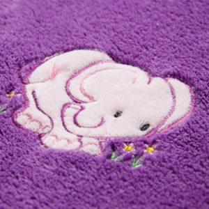 Ljubičasti slonić ukras dječje deke