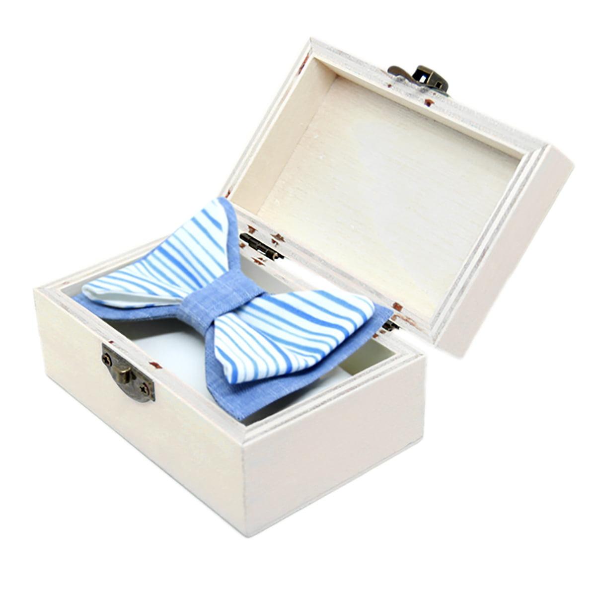 Plavo more leptir mašna u drvenoj kutiji
