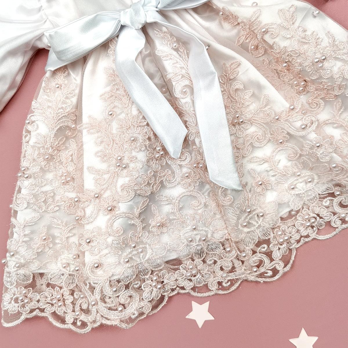 detalj bogate čipke rita haljine