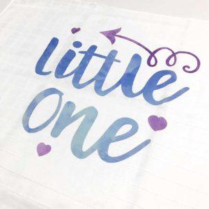 Little one, plava tetrica s natpisom za bebe