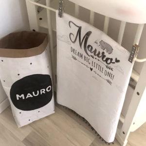 Mauro sivo bijela pom pom tetrica personalizirana