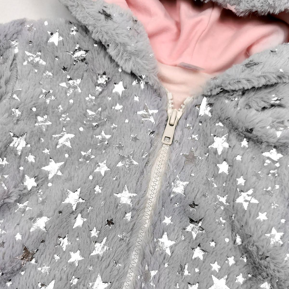 detalj umjetnog krzna twinkle sive jaknice