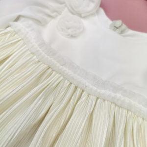 detalj haljine za krštenje vanilla sky