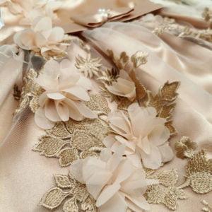 zlatna magnolia detalj čipke